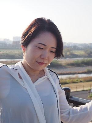 ボイストレーナー佐藤静香(紫衣)